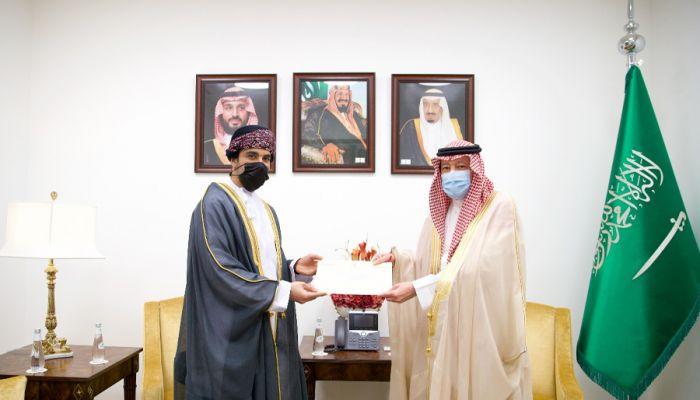 البوسعيدي يبعث رسالة خطية لوزير الخارجية السعودي