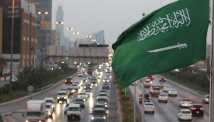 ابتداءً من أغسطس.. السعودية تمنع دخول المنشآت الخاصة والعامة لغير المحصنين
