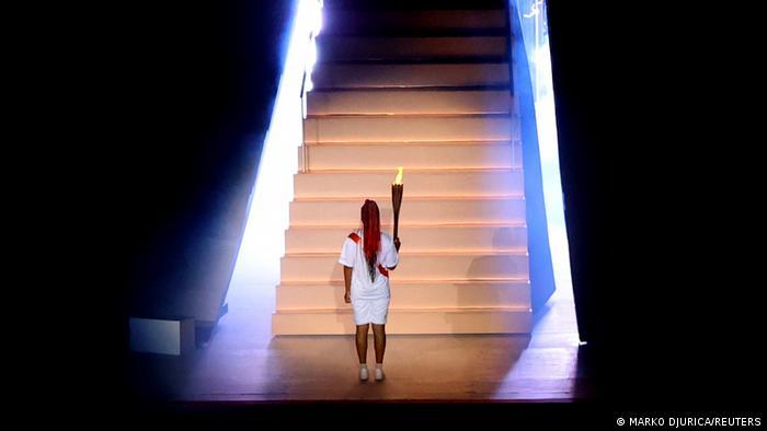Tokyo Games: Naomi Osaka becomes 1st tennis player to light Olympic cauldron