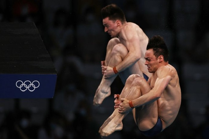 Britain's Daley and Lee win men's synchronised 10m platform at Tokyo Olympics