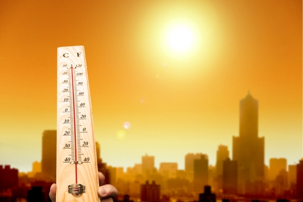 Weather intensifies, Oman station records highest temperature