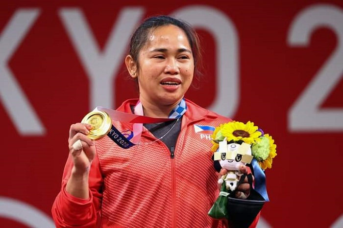 Weightlifter Diaz makes history for Philippines at Olympics