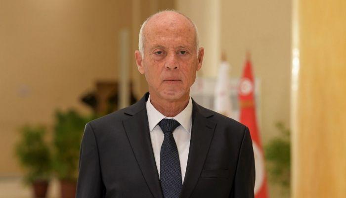 الرئيس التونسي يصدر أمرًا بحظر التجول لمدة شهر