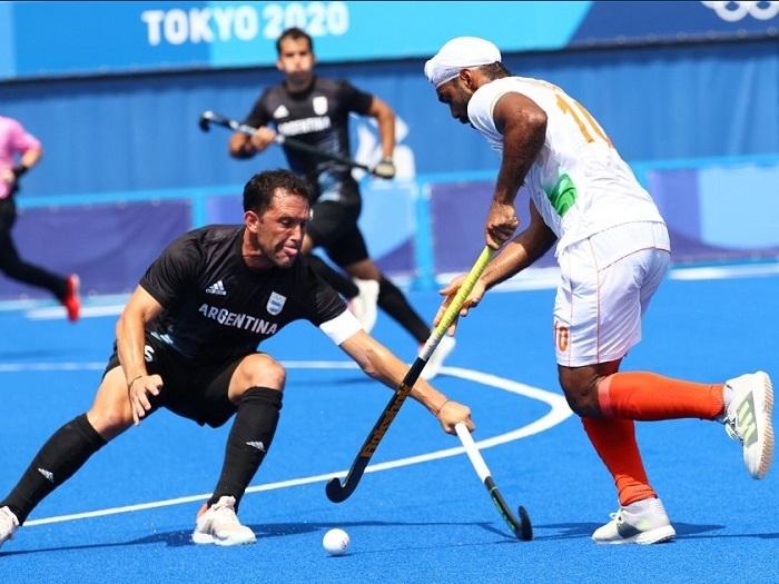 Indian men's hockey team defeats Argentina 3-1, enters quarters