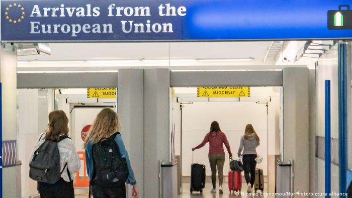 UK scraps quarantine for vaccinated EU, US travellers