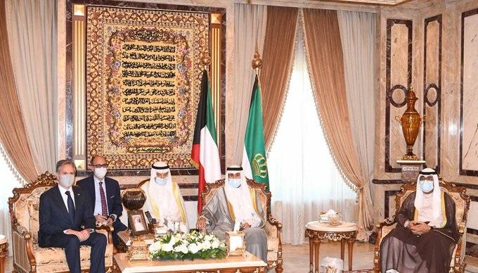أمير الكويت يستقبل وزير الخارجية الأمريكي