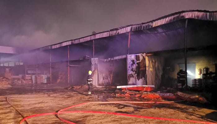 Warehouse fire put out in Seeb