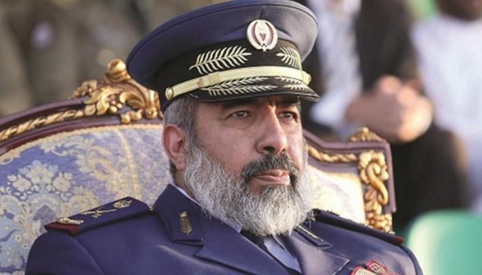 مسؤول عسكري قطري يزور السلطنة