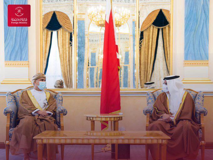 ولي العهد البحرين يستقبل سفير السلطنة  بمناسبة انتهاء فترة عمله
