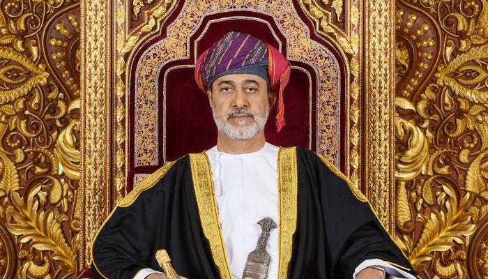 السيد بدر ينقل تحيات جلالة السلطان إلى الرئيس الإيراني