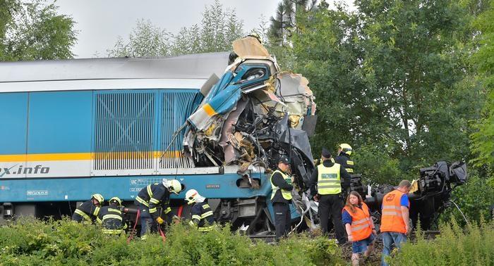Train crash in Czech Republic leaves 3 dead, dozens injured