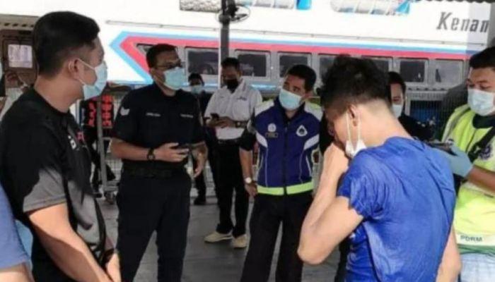 إنقاذ شاب حاول السباحة من ماليزيا إلى مكة