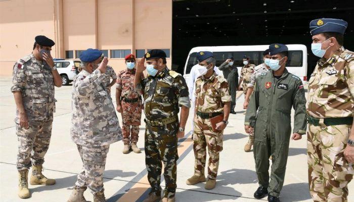 رئيس أركان القوات المسلحة بدولة قطر يغادر البلاد