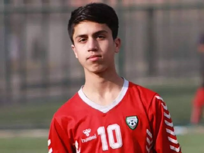 Afghan footballer died after falling from US plane leaving Kabul