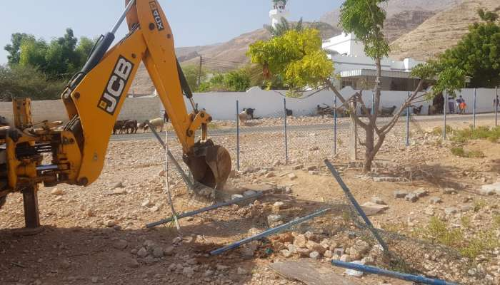 Muscat Municipality removes land encroachments