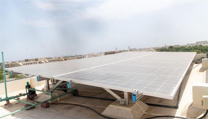 مشروع بجامعة السُّلطان قابوس يعمل على دمج مصادر الطاقة المختلفة لإنتاج الكهرباء بكفاءة عالية