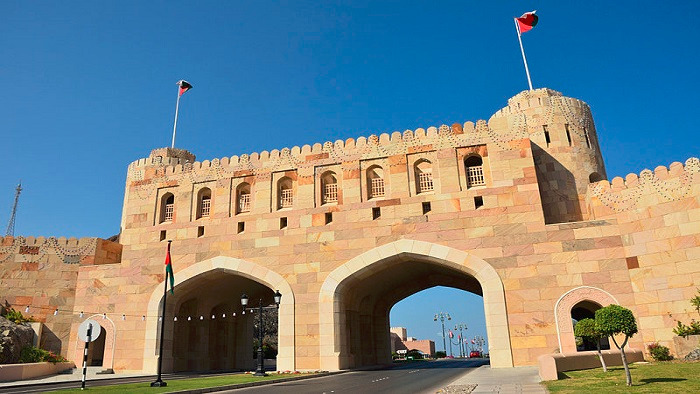 Oman decides to open land borders
