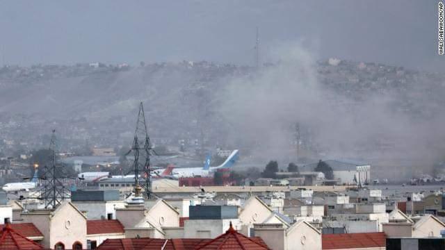 عشرات القتلى انفجاران قرب مطار العاصمة الأفغانية