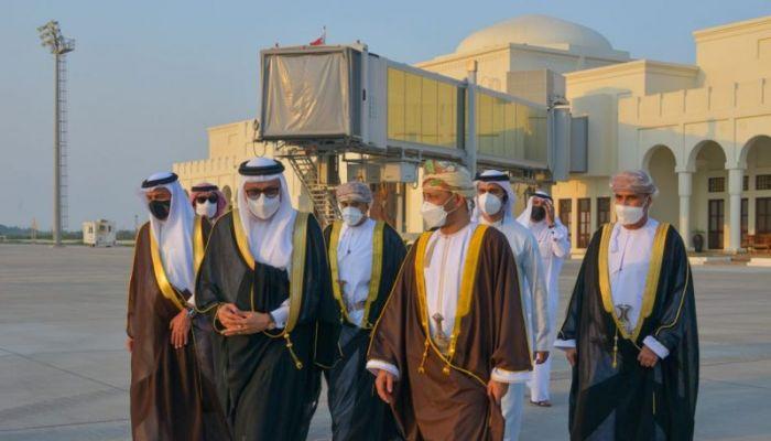 السيد بدر يعود من البحرين بعد زيارة رسمية