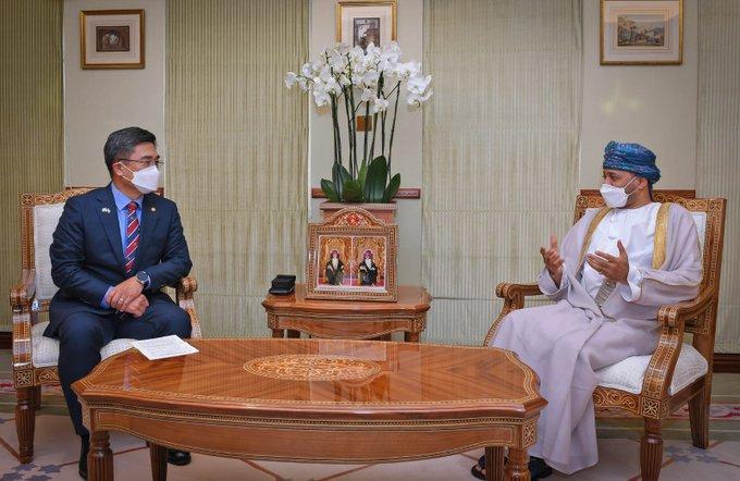 السيد بدر يستقبل وزير الدفاع الوطني  الكوري