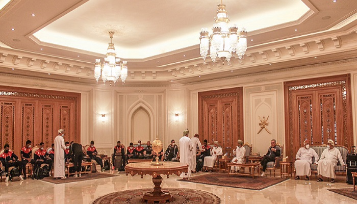 Oman's football team gets hero's welcome
