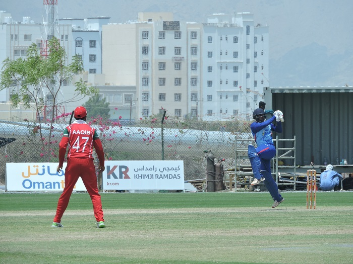 Mumbai win again despite  Kashyap's magnificent 146