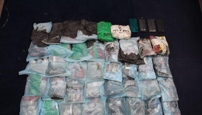 الشرطة تضبط كميات كبيرة من المخدرات بحوزة 5 وافدين