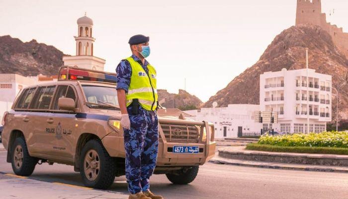 انفصال قاطرة عن مقطورة في طريق مسقط - نزوى.. والشرطة تحذر