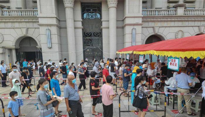 الصين تُغلق مدينة لوقف تفشي السلالة 'لتا'