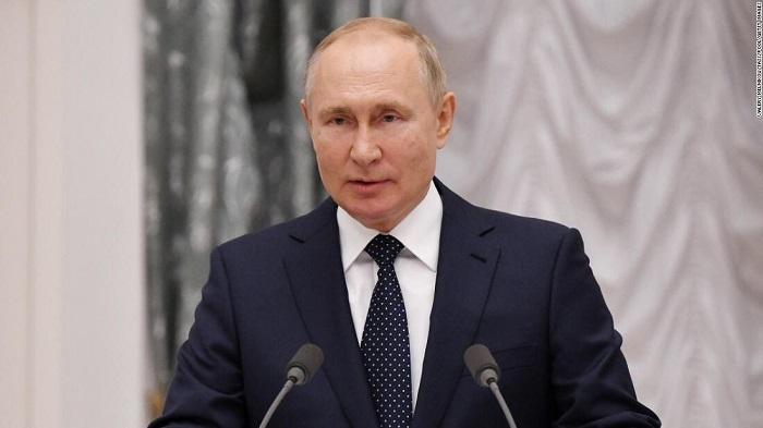 Vladimir Putin plans to self-isolate due to COVID-19 cases detected in his entourage