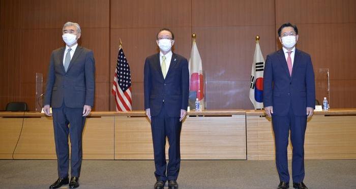 US, Japan and South Korea meet after North Korea missile test
