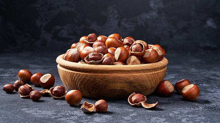 5 reasons hazelnuts are a family-friendly snack