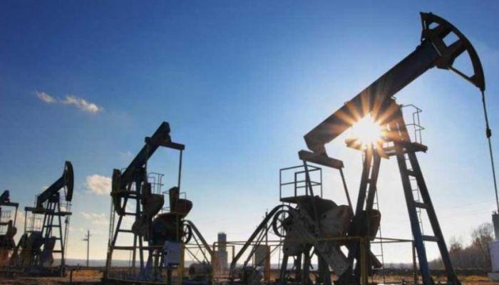أسعار النفط تواصل الارتفاع مع تراجع المخزون الأمريكي