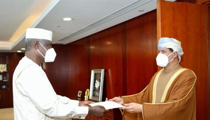 سفيرنا لدى أثيوبيا يقدم أوراق اعتماده مندوبًا مراقبًا للسلطنة لدى الاتحاد الافريقي