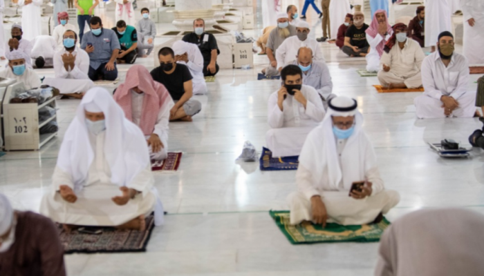 السماح بالصلاة في المسجد النبوي بدون تصريح