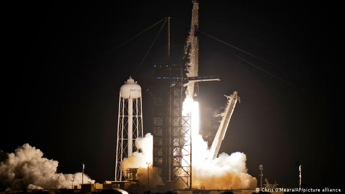 SpaceX blasts off for world's first tourist trip into orbit