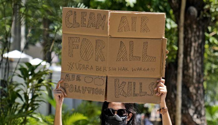 الحكم على رئيس إندونيسيا بتهمة إهمال التلوث
