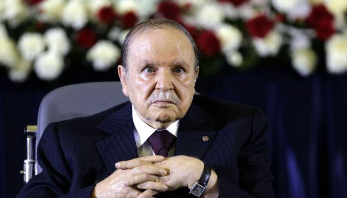 وفاة الرئيس الجزائري السابق