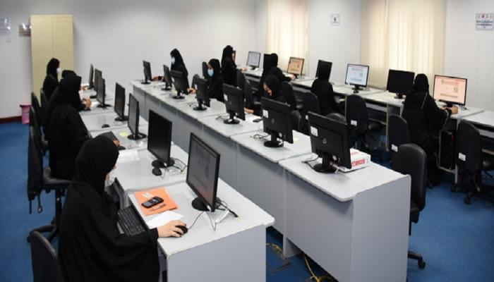 Over 300 aspirants take tests for job vacancies in Oman