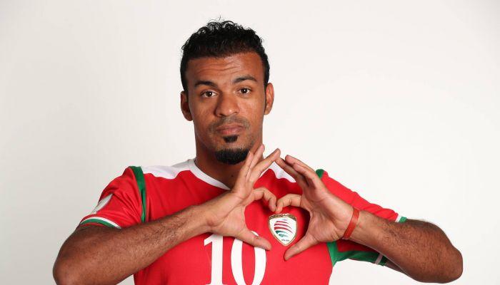 عماني ضمن قائمة أفضل 100 لاعب كرة قدم شاطئية في العالم