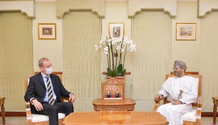 وزير الخارجية يتسلم نسخة من أوراق اعتماد عدد من السفراء