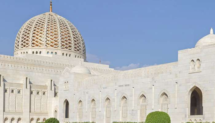 Friday prayers set to resume in Oman's mosques