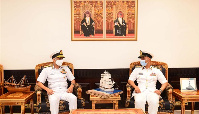 Indian Navy Chief meets Omani officials during visit