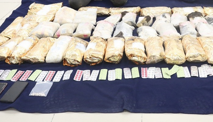 Two expats arrested for smuggling narcotics into Oman