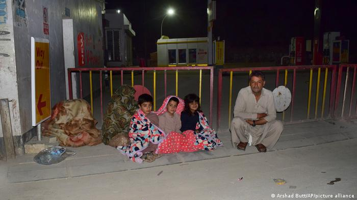 Pakistan earthquake kills 20 people, injures 300 in Balochistan