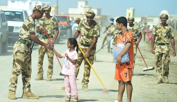 Over 15,000 volunteers head to North Al Batinah for relief operations