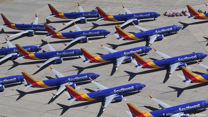 US: Southwest Airlines cancels hundreds of flights