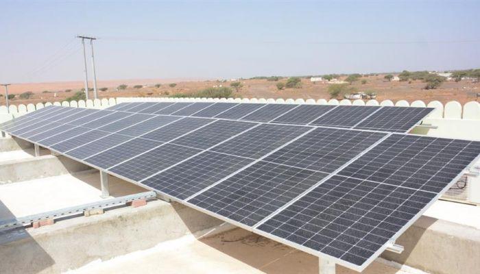 بدء التشغيل الرسمي للمنظومة الشمسية بمسجد عبيد بن سعيد الحجري بولاية بدية